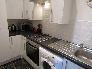 2 Bedroom apartment close to Holyrood & Royal Mile, Edimburgo
