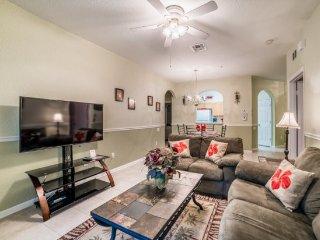 Ground Floor 2 Bedroom 2 Bath Condo in Windsor Hills. 2813AL-102, Four Corners