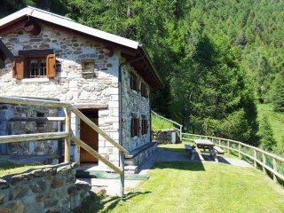 Chalet La Cort a 1.700m zona Passo Mortirolo, Monno