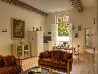 Ile Saint-Louis Gorgeous Two Bedroom, Paris