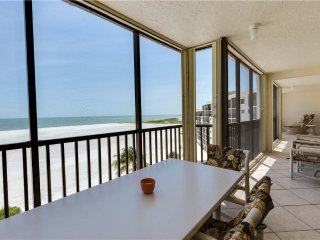 Carlos Pointe PH1, Penthouse 4 Bedrooms, Gulf Front, Heated Pool, Sleeps 10, Survey Creek