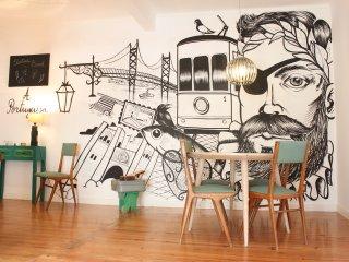 A Portuguesa III, at Bica's Funicular St, Lisboa