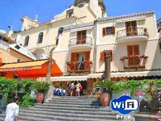 Villa Costanzo beach front (10yards) free wifi, Positano