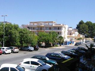 Fantastically located 2 bedroom apartment, Villamartin