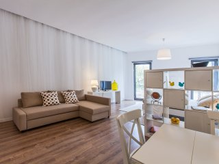 BRIGHT APARTMENT 'MAGNOLIA' FOR 2/3 GUESTS, Oporto
