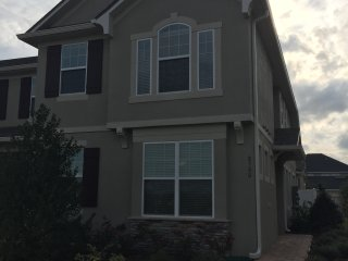 2 or 3 Bedroom Townhome close to Disney, Windermere