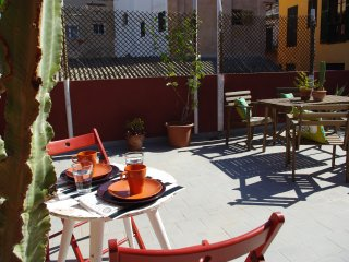 Penthouse with private terrace in old town Palma. WiFi. City & beach!, Palma de Mallorca