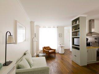 Saint Germain Chic One Bedroom, Paris