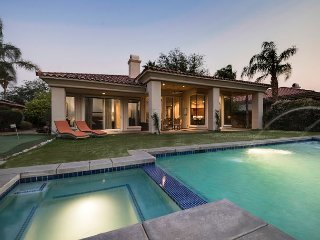 Upscale and Opulent Casa + Casita and Backyard Oasis on the Green, Rancho Mirage