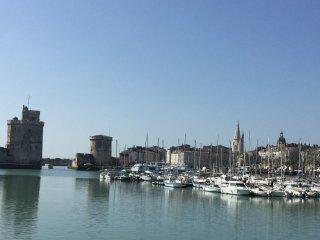 Chbre indépendante à 50m des Tours de La Rochelle.