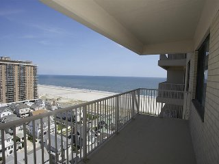 2  BR/1 BA Ocean View Condo on the beach, Ventnor City