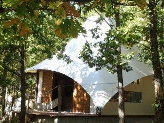 Lodge de charme tt équipée  pour 2 pers Une vue magnifique au calme/Jacuzzi