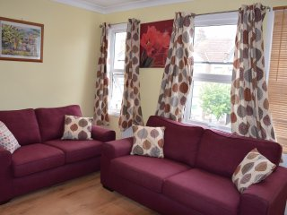 5Bedroom house, 3Bathrooms, 2living room sleeps 14, Londres