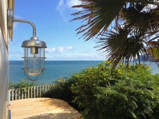 Panoramic Sea View, Secluded, Long Sunsets, Romantic, Beach Chic & Dog Friendly