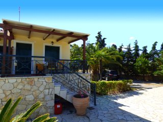 HERA maisonette with pool &garden close to the sea
