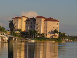 2 bed / 2 bath condo minutes from the gulf, Clearwater