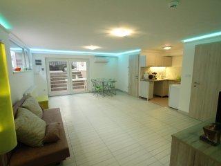 ApNr1 Livingroom/dining area