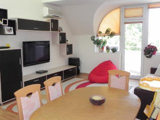 Maisonette Picadilly, Varna