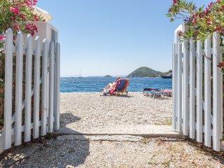 PSARIANOS BEACH FRONT STUDIOS, Skopelos