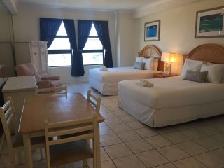 MIAMI HOLLYWOOD BEACH APART 548 OCEAN VIEW FOR 4 PEOPLE