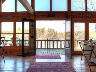 Log Home Rental On Jackson Lake, Atlanta