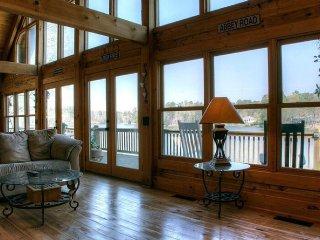 Rustic Log Home Rental On Jackson Lake