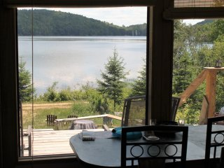 Barrys Bay cottage rental on private lake, Barry's Bay
