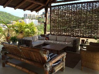 Penthouse Beachfront Apartment, Huatulco