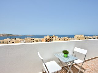 Delfin Penthouse with Views, St. Paul's Bay