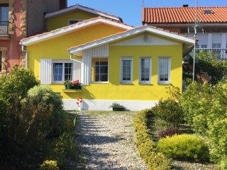Casa en Bañugues, Banugues