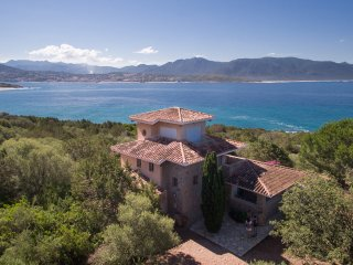 Villa in nature by the sea, Olmeto