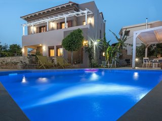 Villa Camellia Rethymno 4 bedrooms & Private Pool, Atsipopoulo