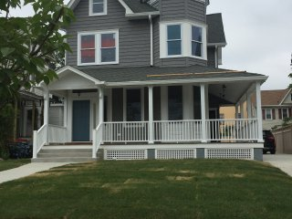 3 BR Beach House in Asbury Park! 6 blocks to ocean