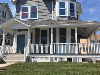 9 BEDROOM BEACH HOUSE IN ASBURY PARK, Asbury Park