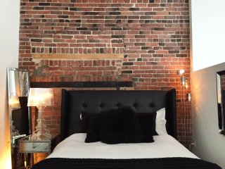 leQube Luxury Studio Loft Old Montreal
