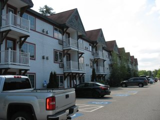 NORTH CONWAY NH EASTERN SLOPE WHITTER HOUSE SUITES, North Conway