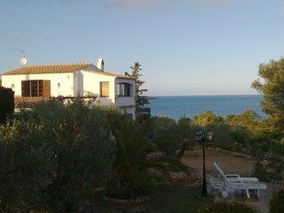 Villa sobre el mar 'Casa Marinada', L'Ametlla de Mar