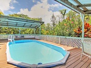 Paradise Park House w/ Pool 2 Mi. to Kaloli Point!