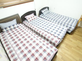 Triple room with ensuite(A type) -3single beds, Busan