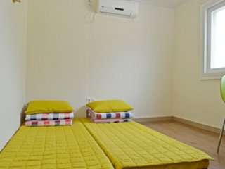 Mr.Egg Hostel Nampo -Best cheap and comfortable twin room B in Busan