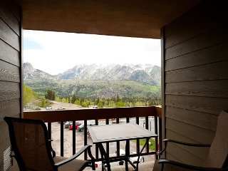Affordable Condo - Steps to Lifts - Great Views - Free Night Offer, Durango