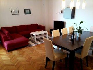 Apartment& large balcony in the city center-Marija, Split