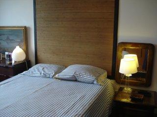 Cosy flat for two in private condo, Porto