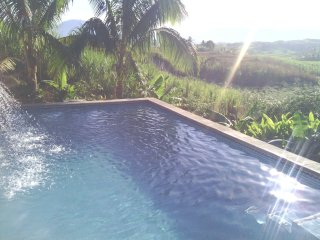 Nasau Lodge and Car Included (Licensed Rental)
