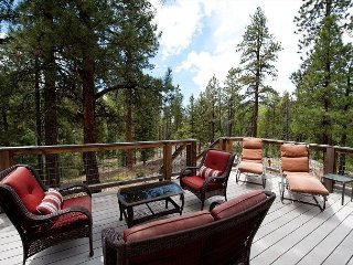 Luxury Mountain Home - Hot Tub, Fire Pit, Large Deck - 3 Miles to Purgatory