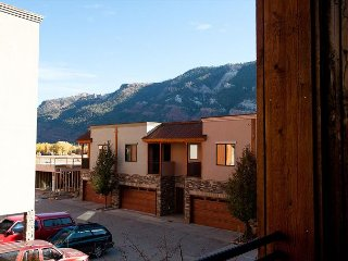Crimson Cliffs - Unit 40 ~ RA77246, Durango