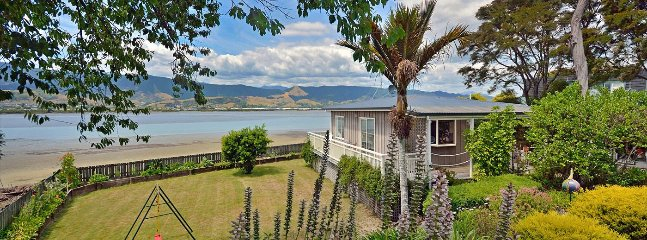 Monaco Haven - Monaco Cottage Accommodation for 2!, Nelson-Tasman Region