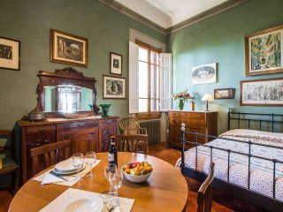 Studio in Renaissance Villa. Wifi, parking, car not necessary, bus to Florence, Impruneta