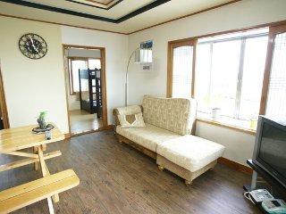 Sungsan shinsan-ri beautiful Room1(Family 4), Jeju
