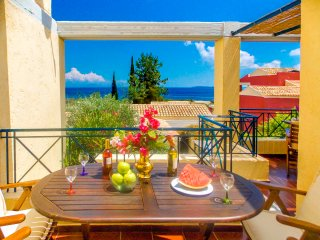 MANTO ON BEACH LUXURY APARTMENT , BARBATI ,CORFU, Barbati